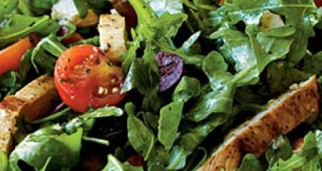 salata rucola cu pui berceni